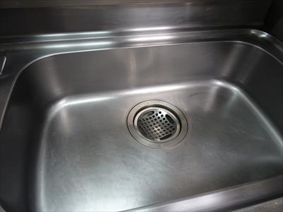 洗いおけを捨てて、洗いおけのかわりのボウルを片づけて……。