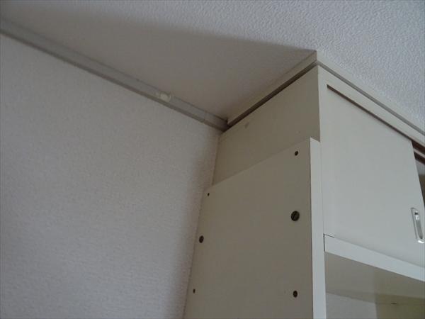 地震対策グッズ、家具の転倒防止、耐震収納