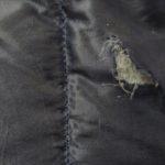 ダウンジャケットに穴が開いてしまったときの修理方法、縫いません。