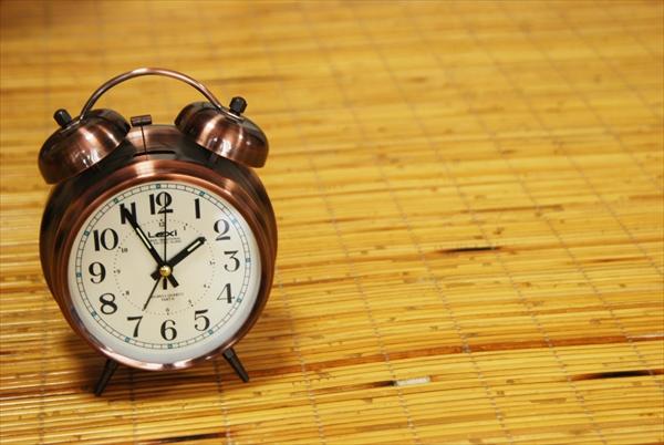 時計イメージ、目覚まし