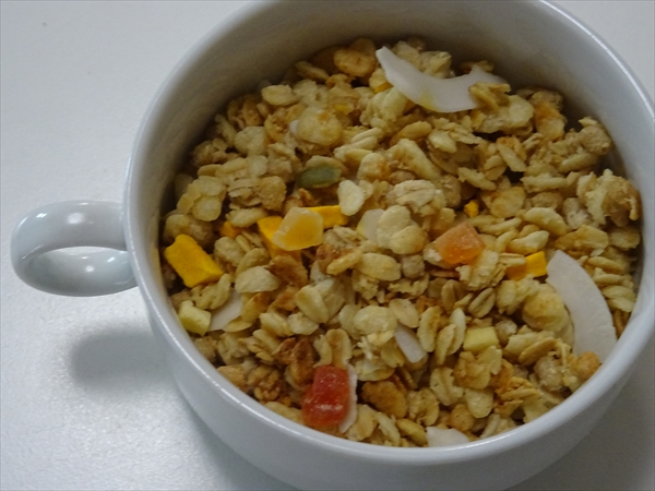 フルグラ トロピカル ココナッツ味